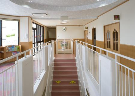 14 2階廊下・階段